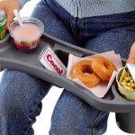 これは便利☆膝を挟むようにカップホルダーがあるので安心の安定感♪家の中だけでなくアウトドアや車の中でも大活躍「ひざのせトレー」