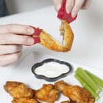 素手づかみで食べたい時にぴったり☆ 使い勝手が程よい小型の「フィンガートング」