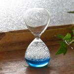 おしゃれでかわいい泡の演出♪ 時の移ろいを泡の動きで楽しむ幻想的なスタイリッシュインテリア「泡時計」