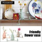 手足がついて工夫次第でユニークな飾り付けを☆ シリコン製のフリースタイル花瓶「フレンドリーベース フロリーノ」