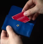 名刺入れやお財布に忍ばせる香りのおしゃれ☆ ほのかな香りが気品を装う「カードフレグランス」